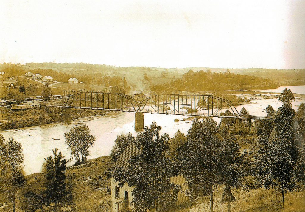 1912 pic building plant # 2 with Horseshoe dam in background